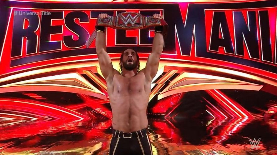 Seth Rollins defeats Brock Lesnar to win the WWE Universal Championship at WrestleMania 35