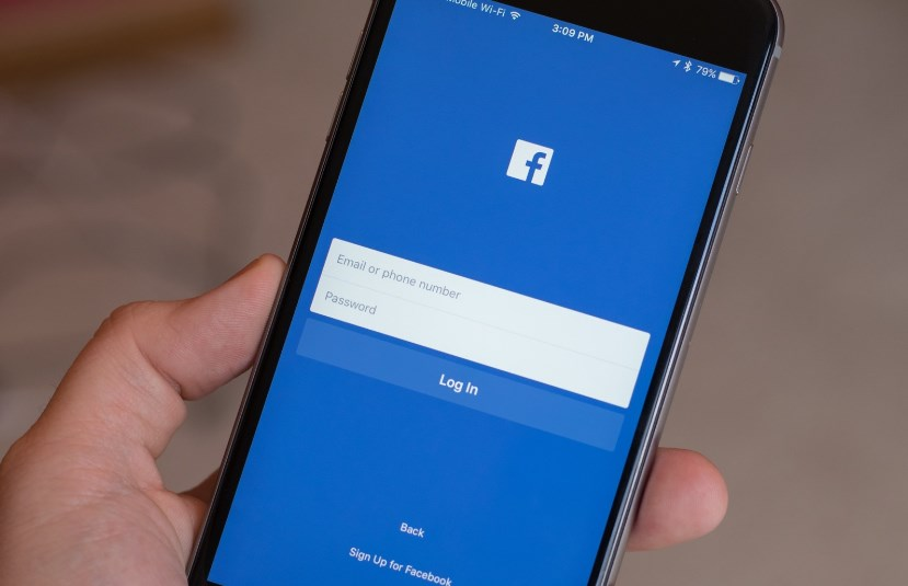 11 things you should remove from your Facebook profile